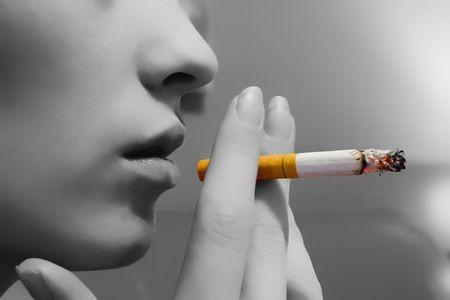 ženy, které dávají kouření